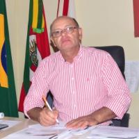 Foto do(a) Prefeito: Carlos Renato Teixeira Machado