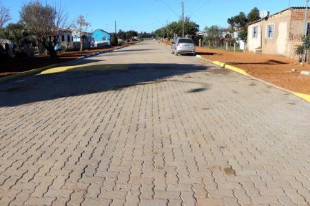 Pavimentação da rua Laudelino da Costa Medeiros