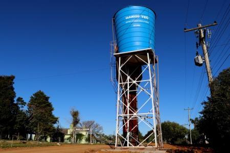 A caixa de água da Trigolândia tem capacidade para armazenar 20 mil litros.