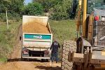 Prefeitura investe em manutenção de estrada e corredores do interior do município